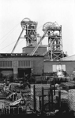 calverton headstocks